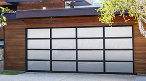 garage door with black anodized and white laminated aluminum